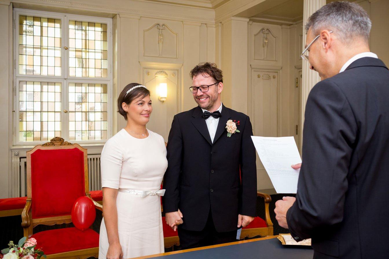 Hochzeit_Standesamt_Schoeneberg-(5-von-12)