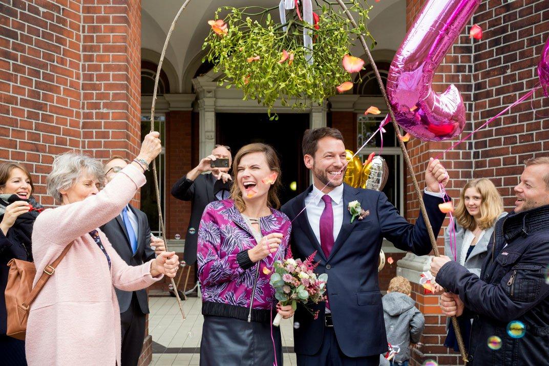 Hochzeit_Standesamt_Neukoelln_P90A4192-Bearbeitet