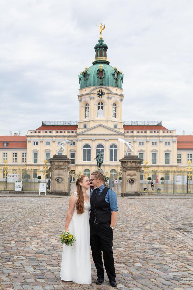 Franzika_Katharina_Schloss_Charlottenburg_Gleichgeschlechtliche_Hochzeit-(10-von-10)