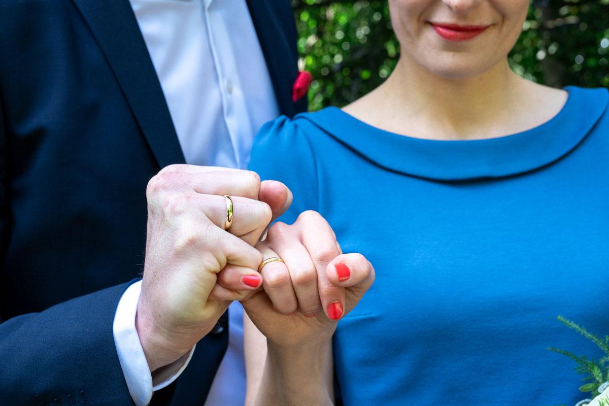 Hochzeitsfotos-Standesamt-Rathaus-Lichtenberg-V-F-(13-von-13)