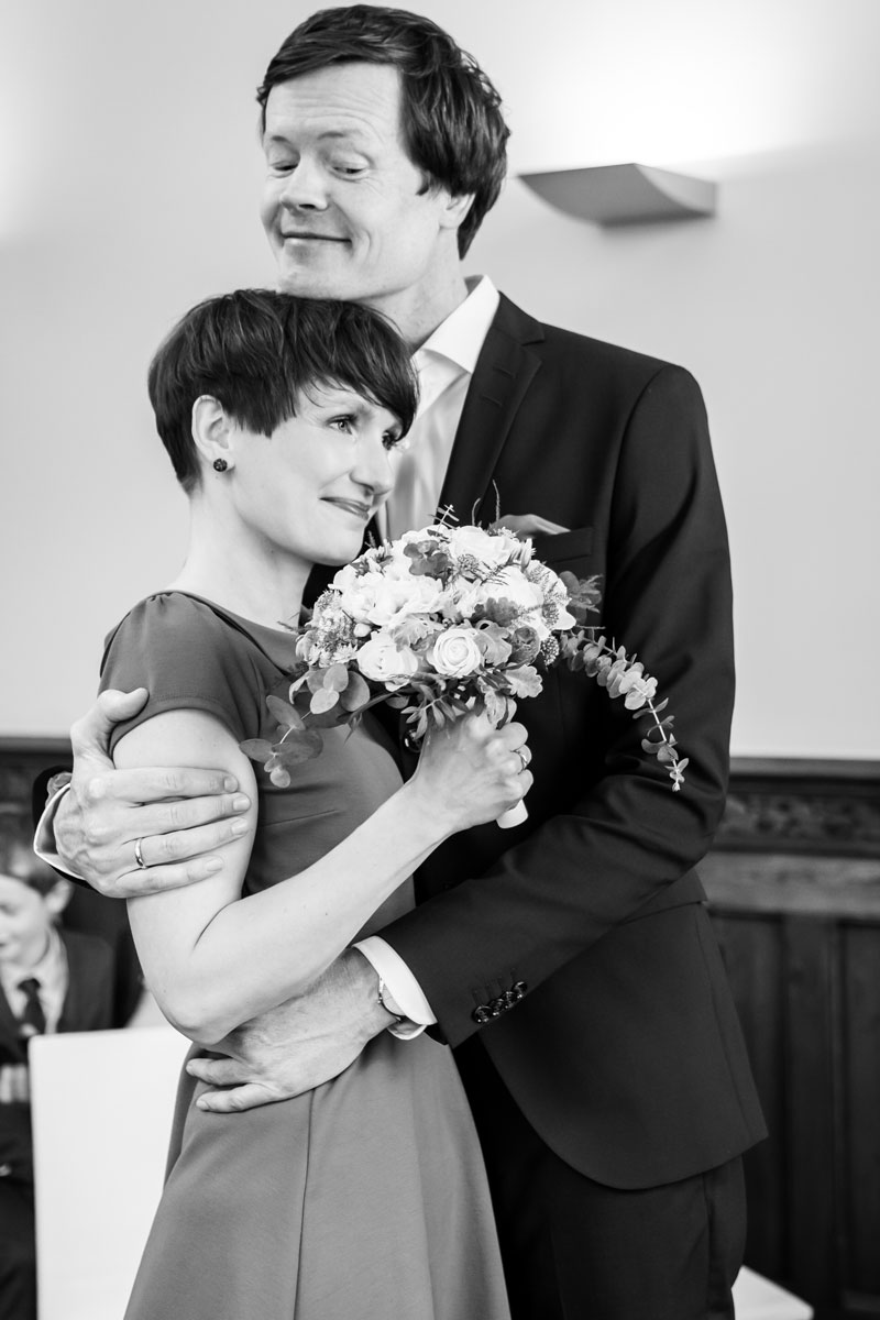 Hochzeitsfotos-Standesamt-Rathaus-Lichtenberg-V-F-(4-von-13)